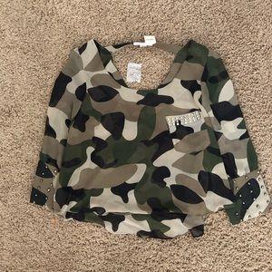 Camo Shirt w/ Detail on sleeve